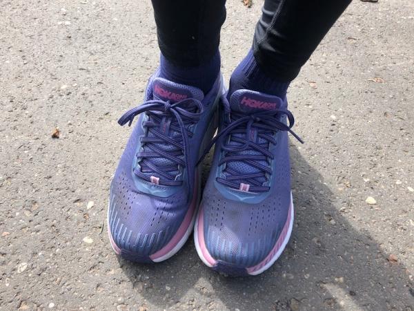 4ae8fde200d1a I tu mega pozytywne zaskoczenie - buty w rozmiarze 42 2 3 są leciutkie -  masywny wygląd jest absolutnie mylący. Wystarczy je wziąć do ręki żeby  przekonać ...