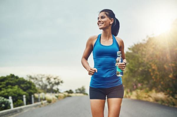 28753517 5 sposobów na bieganie w upalne dni » Bieganie dla kobiet - biegaczki.pl